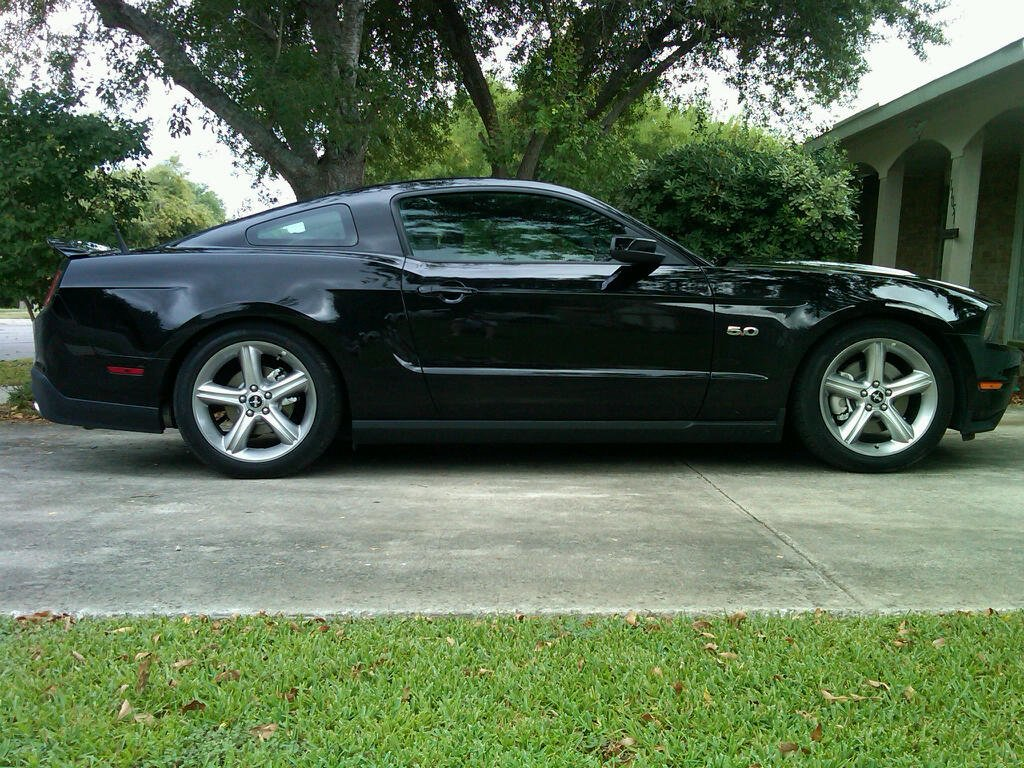 2011 mustang 5 0 lowered with pics ford mustang forum. Black Bedroom Furniture Sets. Home Design Ideas
