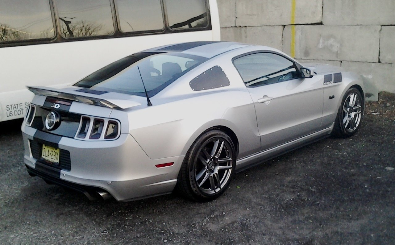2014 gt silver ingot nice day for a picture ford mustang forum. Black Bedroom Furniture Sets. Home Design Ideas