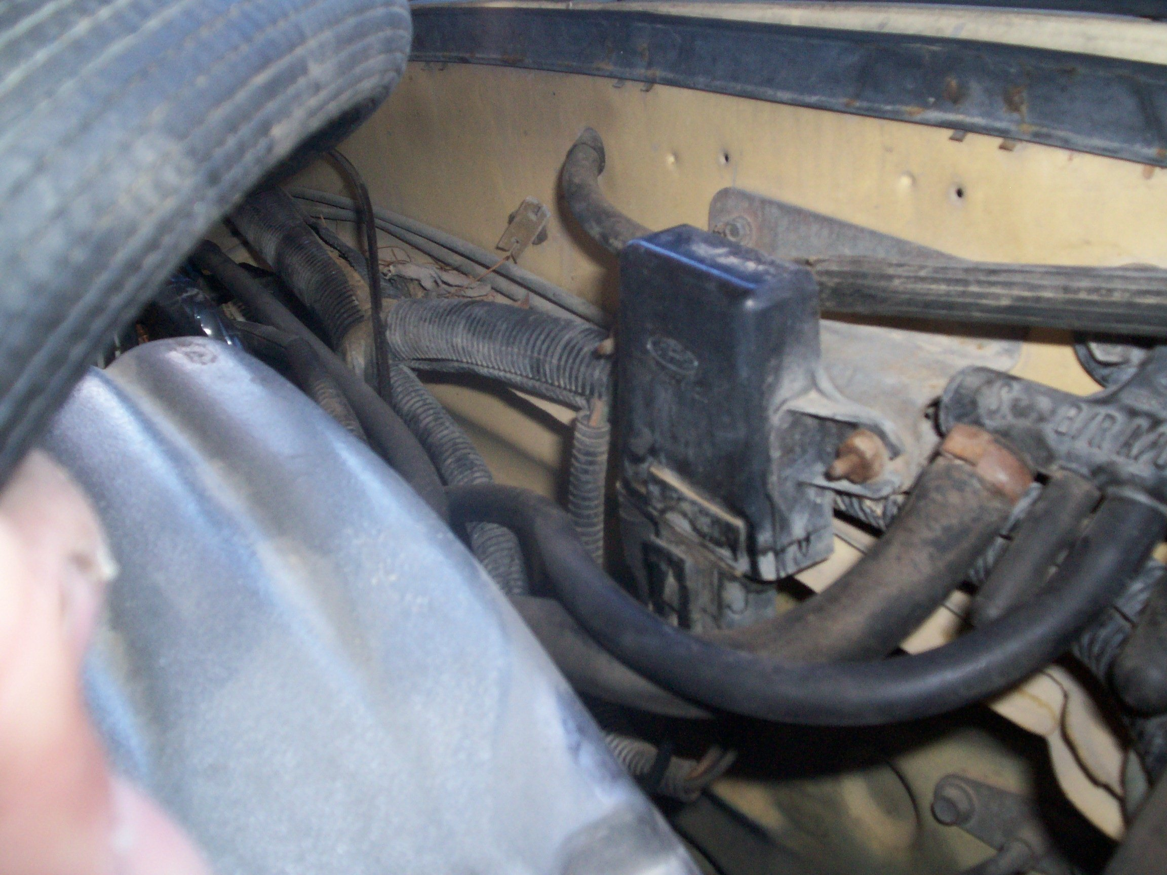 Where does the map sensor get its vacuum?-100_3996.jpg