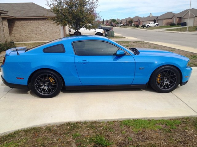 New Amr Wheels And A Splash Of Yellow Ford Mustang Forum