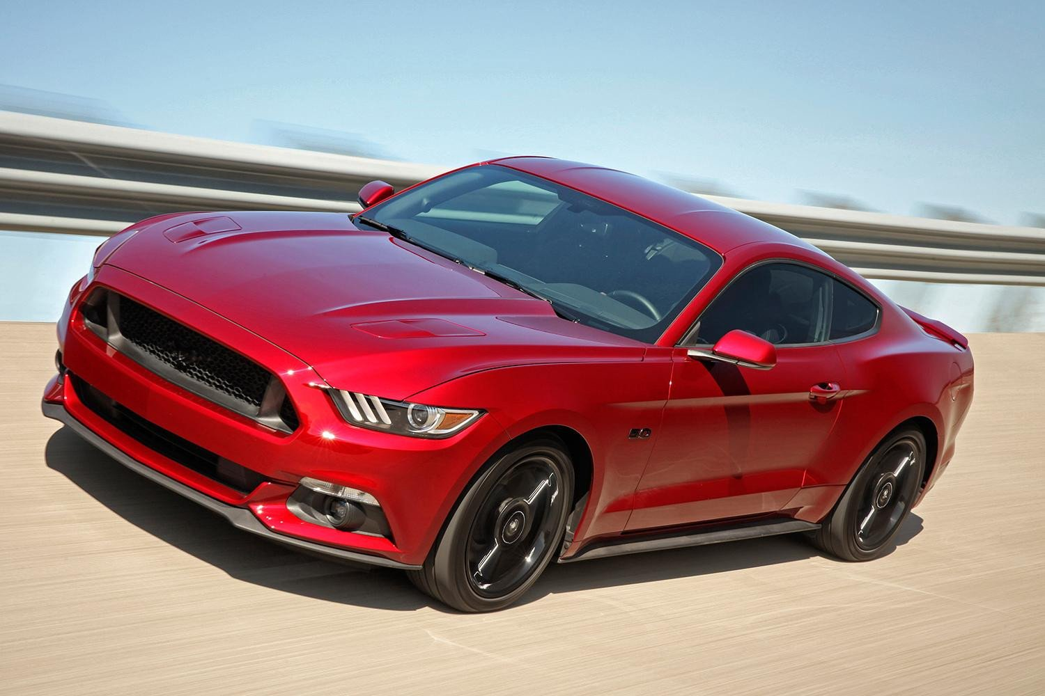 Ford Offers Apple CarPlay, Android Auto Update to 2016 Mustang Owners