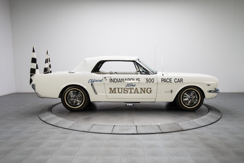 1964-1-2-Ford-Mustang-Pace-Car_282808_low_res