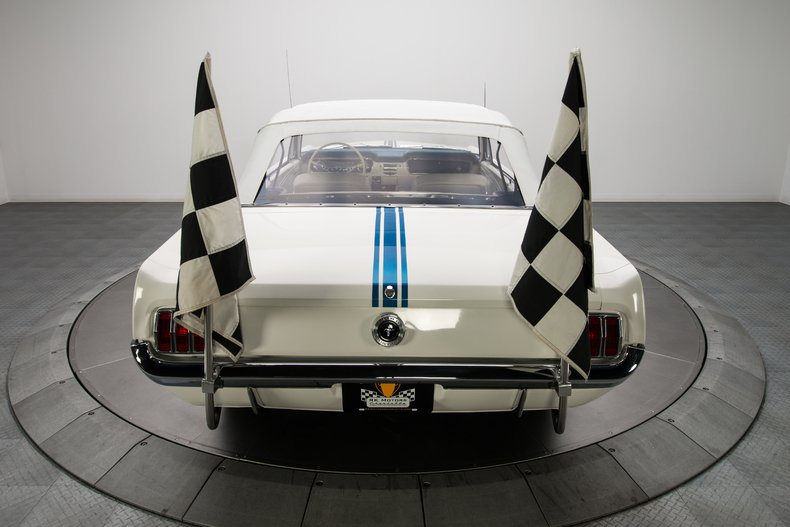 1964-1-2-Ford-Mustang-Pace-Car_282819_low_res