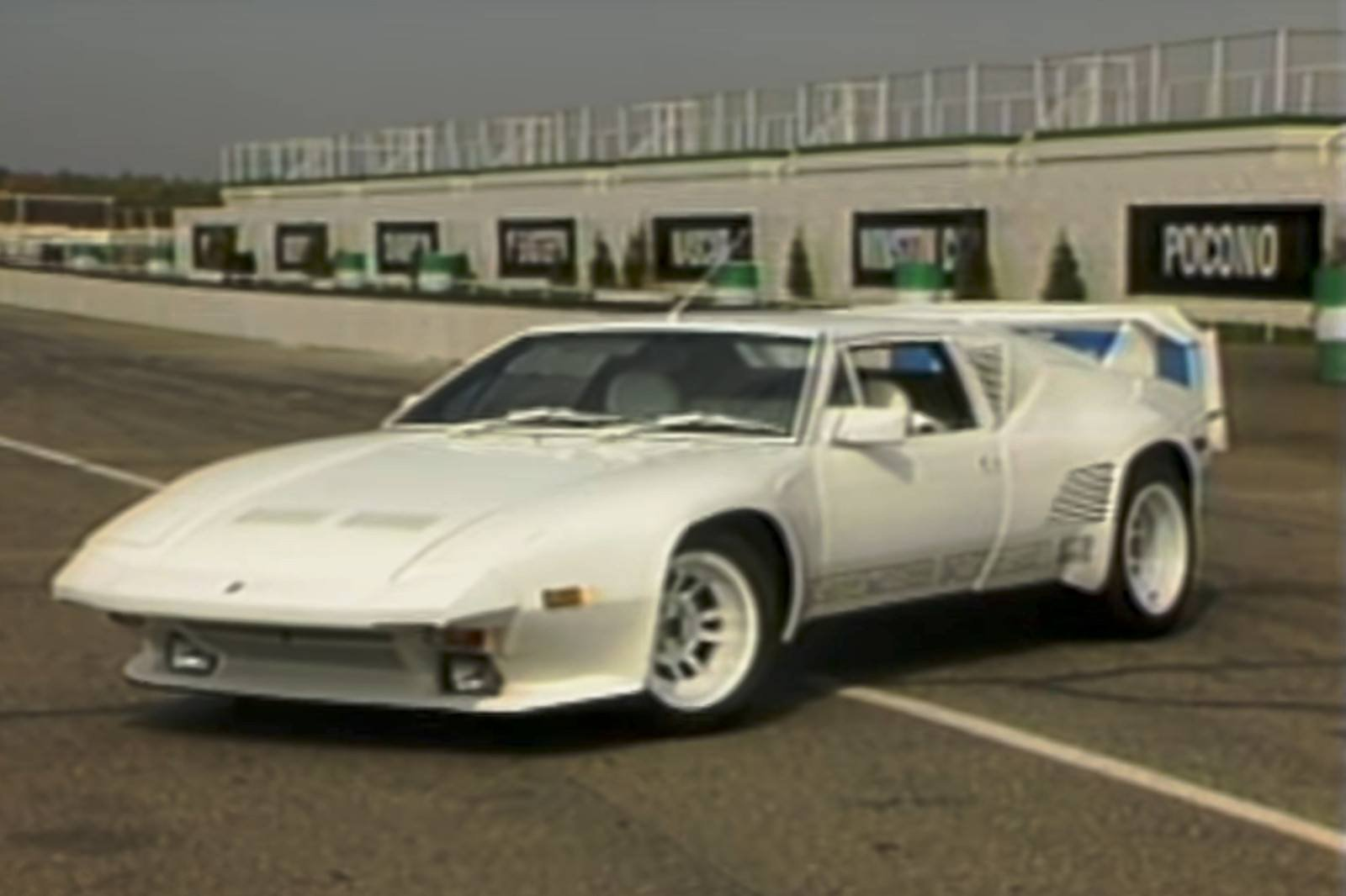 The De Tomaso Pantera Was A Ford-Powered Italian Exotic