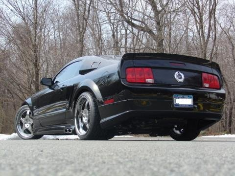 My Cervini Mustang-2005-mustang-body-kit-011a.jpg