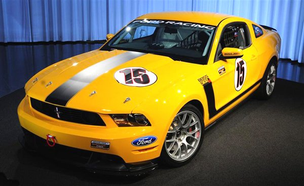 Road Racers Rejoice! Ford Brings Back The Boss Mustang-2011_ford_mustang_boss_302r_front_view.jpg