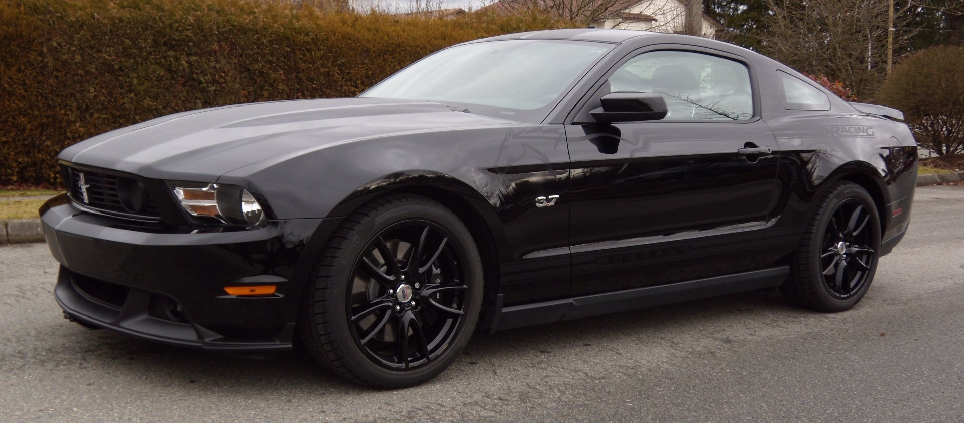 black wheels for my mustang pictures please ford mustang forum. Black Bedroom Furniture Sets. Home Design Ideas