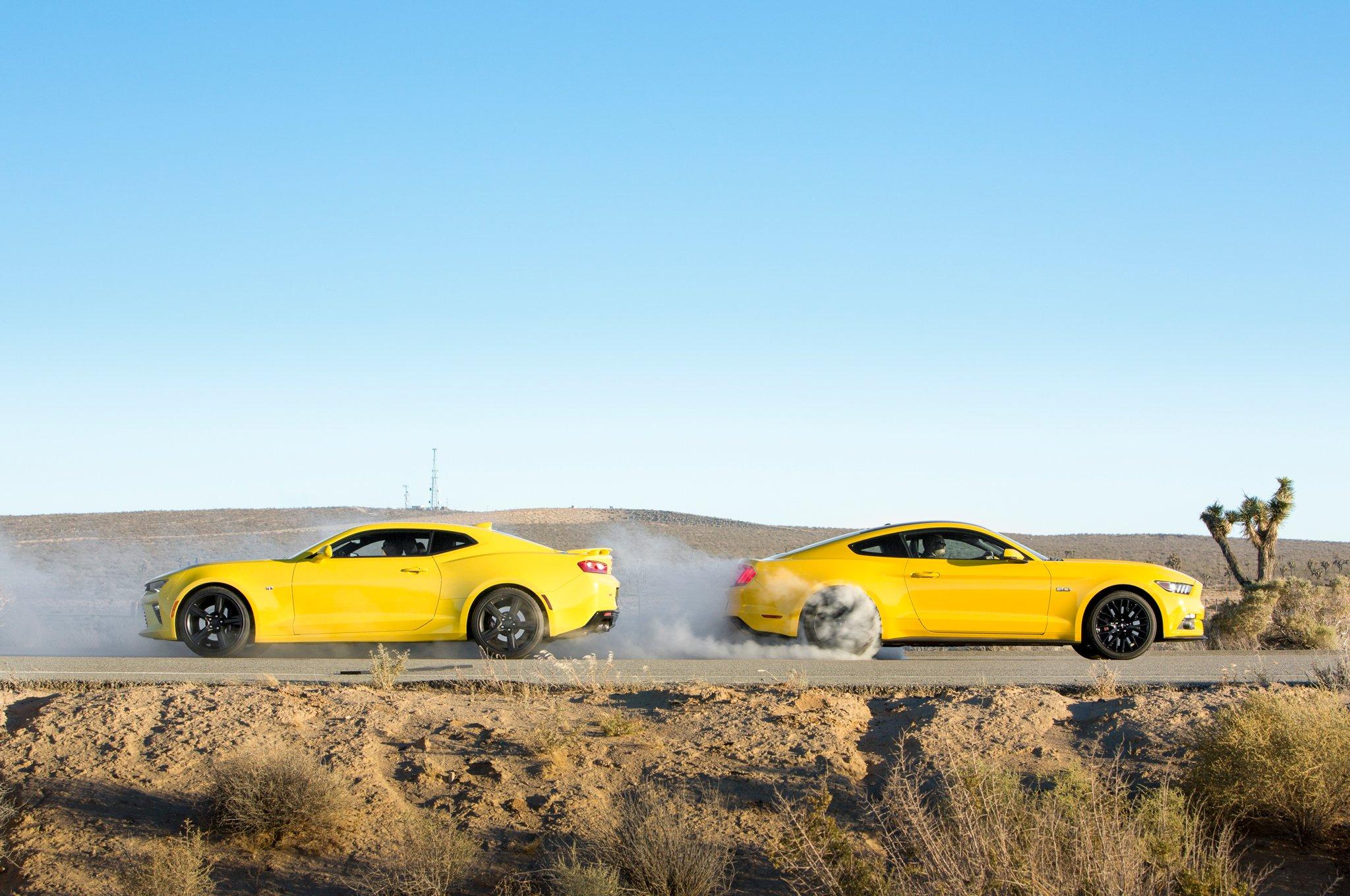 2016-Chevrolet-Camaro-SS-VS-Ford-Mustang-GT-side