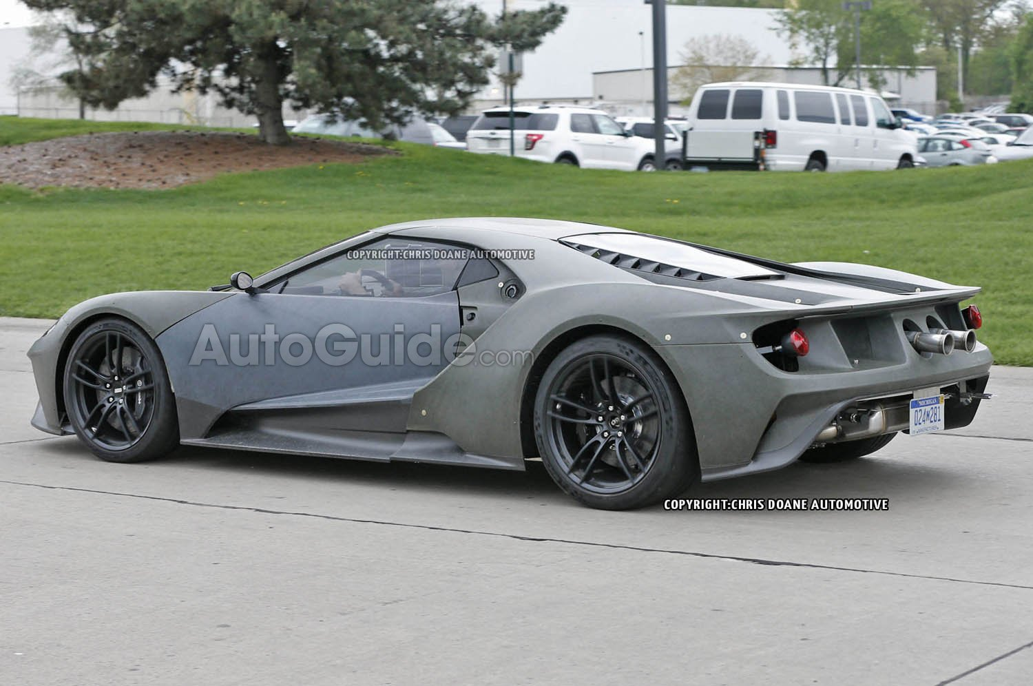 2017-Ford-GT-Spy-Photos-11
