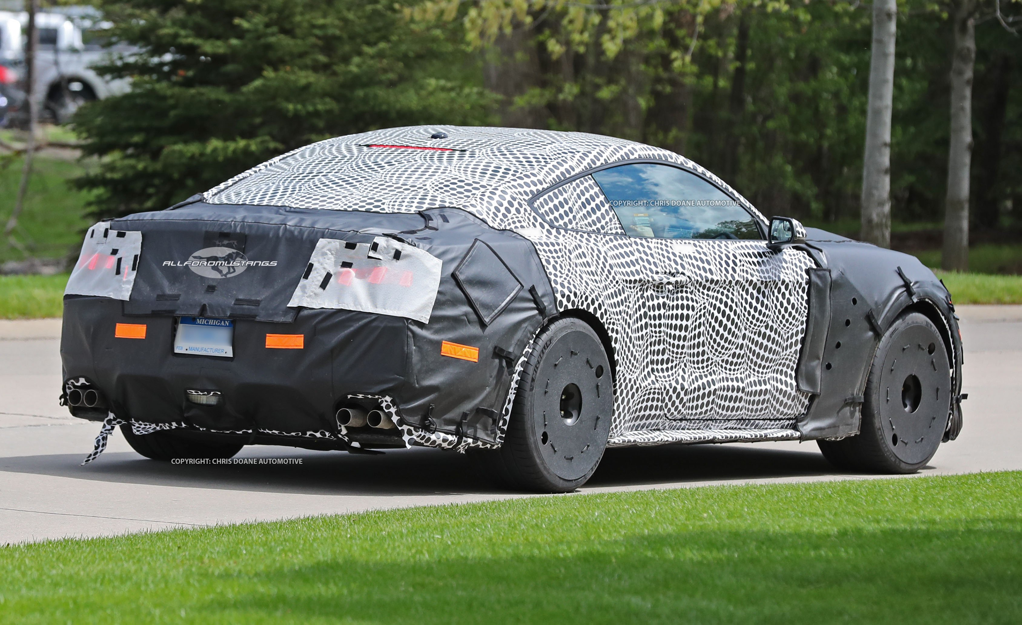 2019-shelby-gt500-spied12