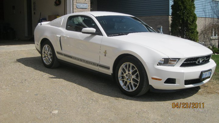 click image for larger versionname225059_1739632299212_1490797341 2012 mustang - Mustang 2012 White