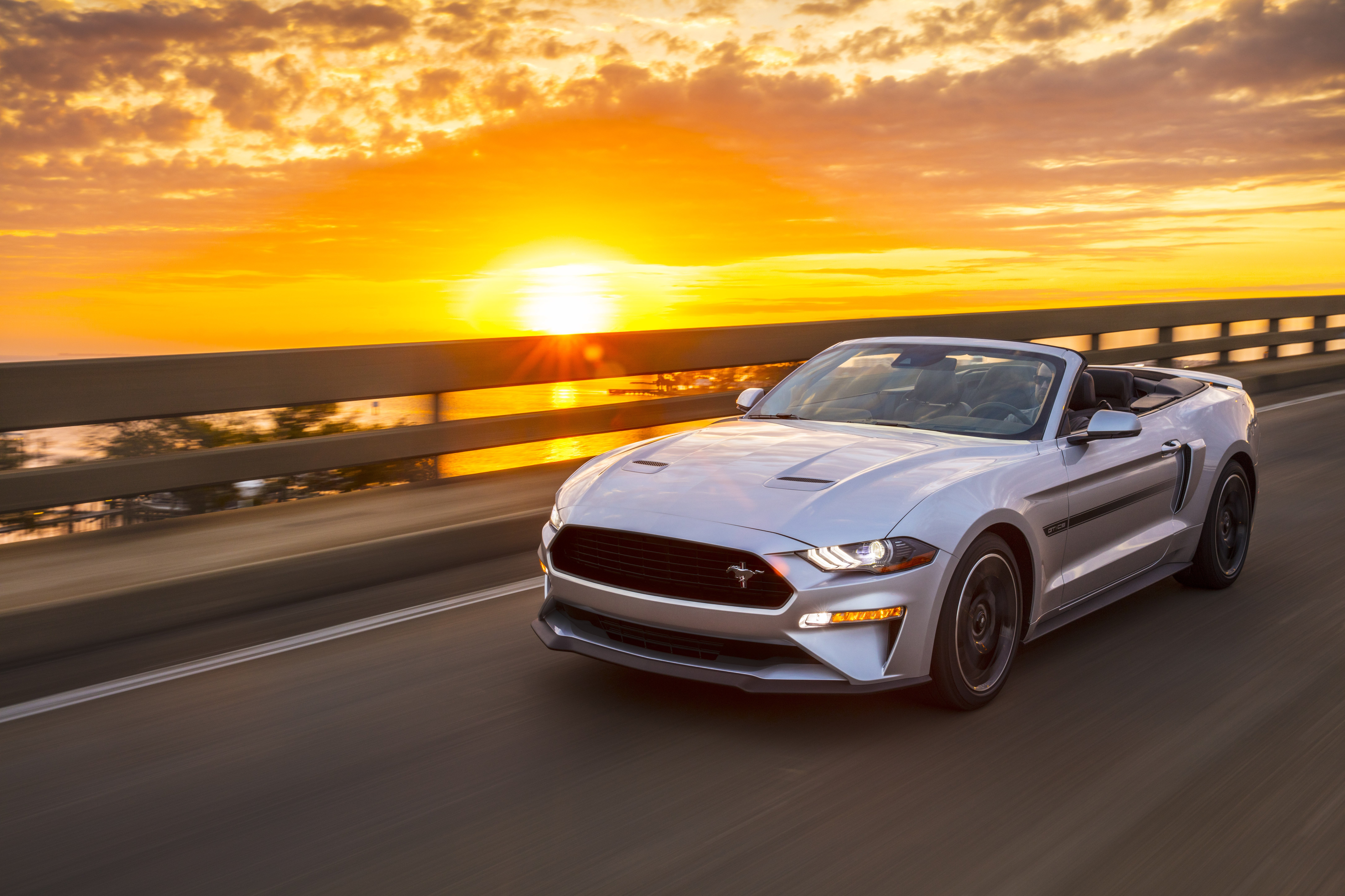 Mustang Adds Rev-Matching, Colors, and Classic Special Edition in 2019