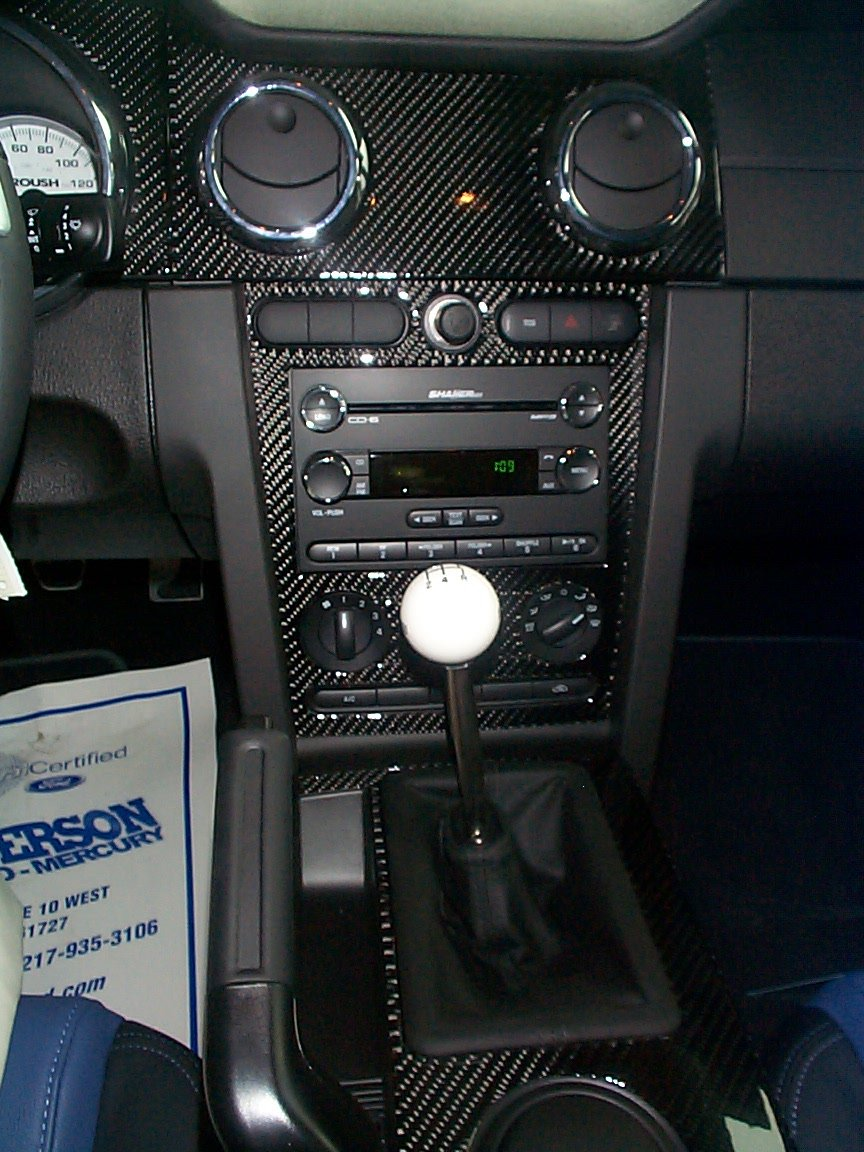 2008 mustang radio knobs w chrome trim ford mustang forum. Black Bedroom Furniture Sets. Home Design Ideas