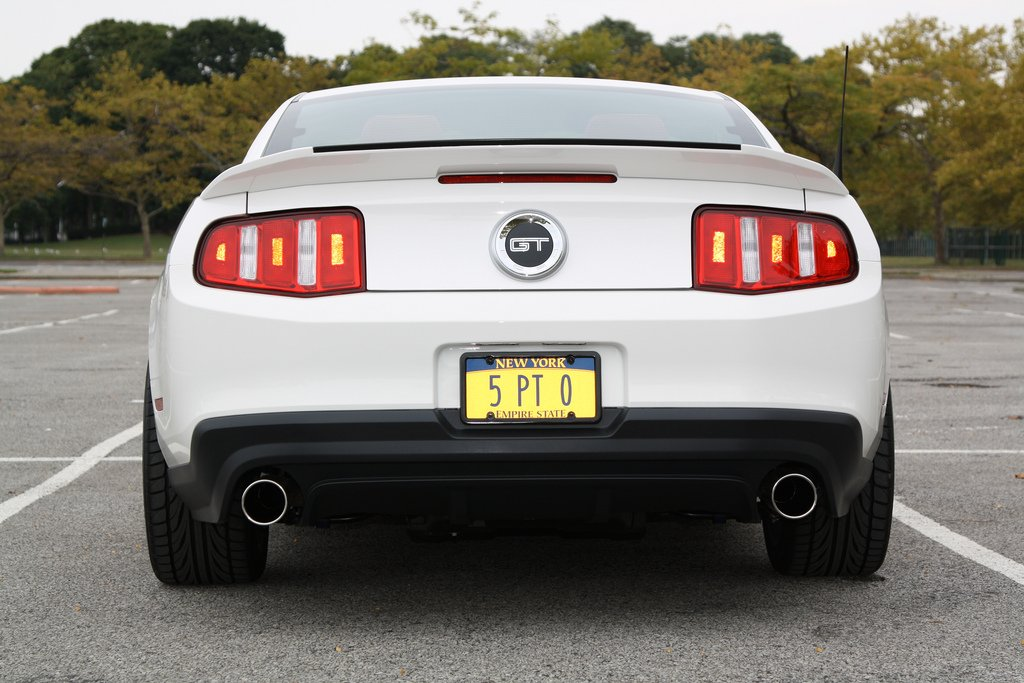 updated photos with mods 3d carbon gt500 rear spoiler