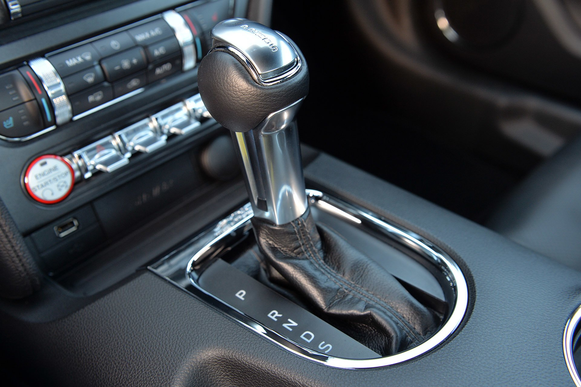 Sneak-a-Peek at the Mustang's New 10-Speed Automatic in Action