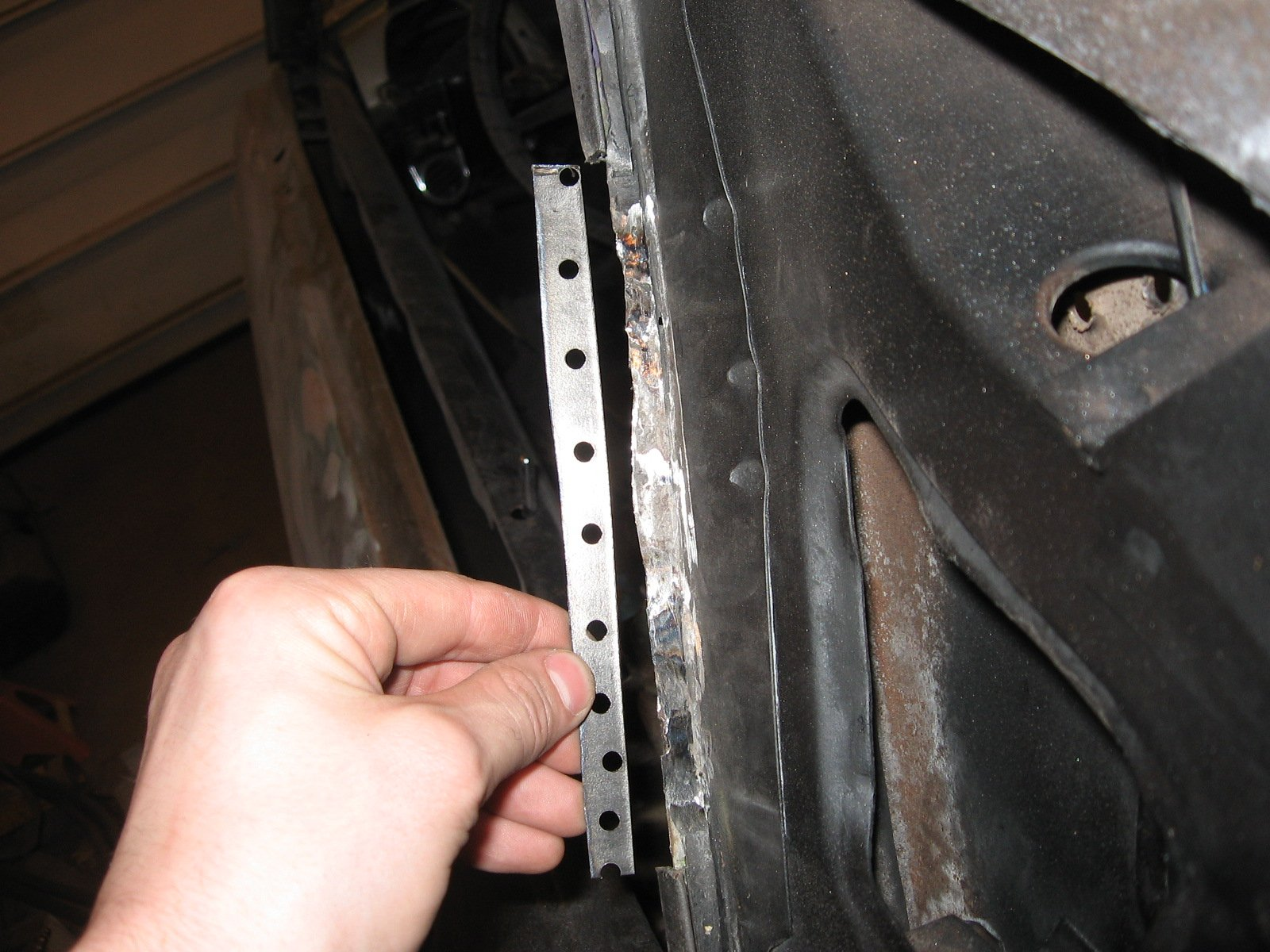 Replacing A B Pillar Sail Panel A Demonstration Ford