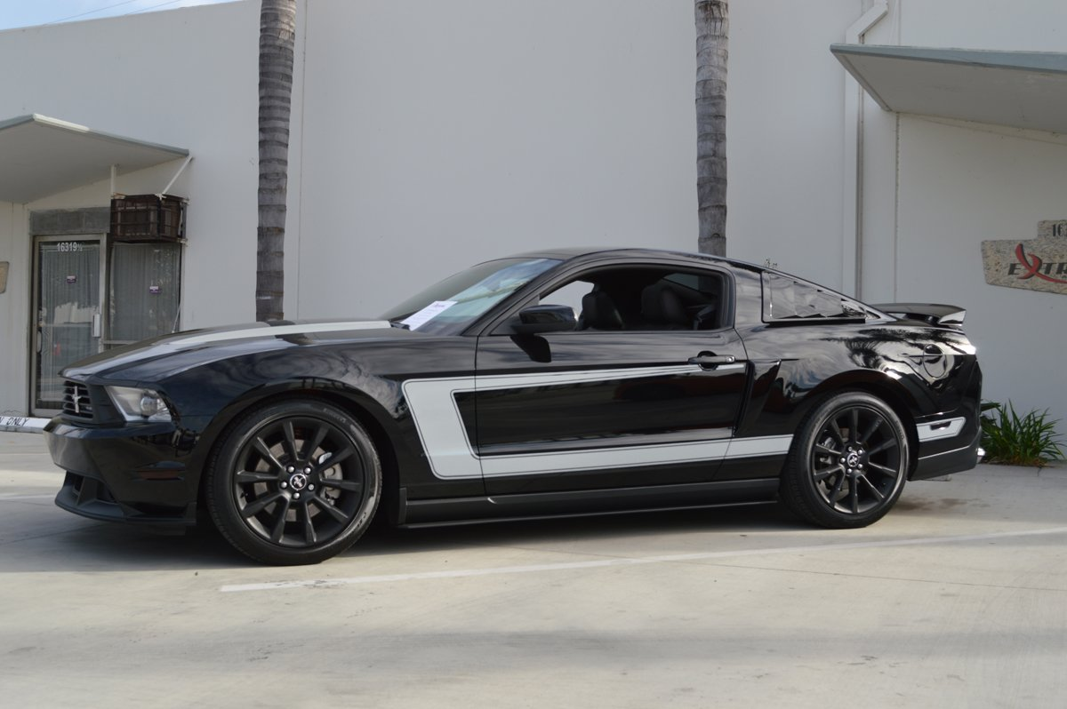 2012 Black V6 W Reverse Quot C Quot Stripes Amp Hood Spears Your