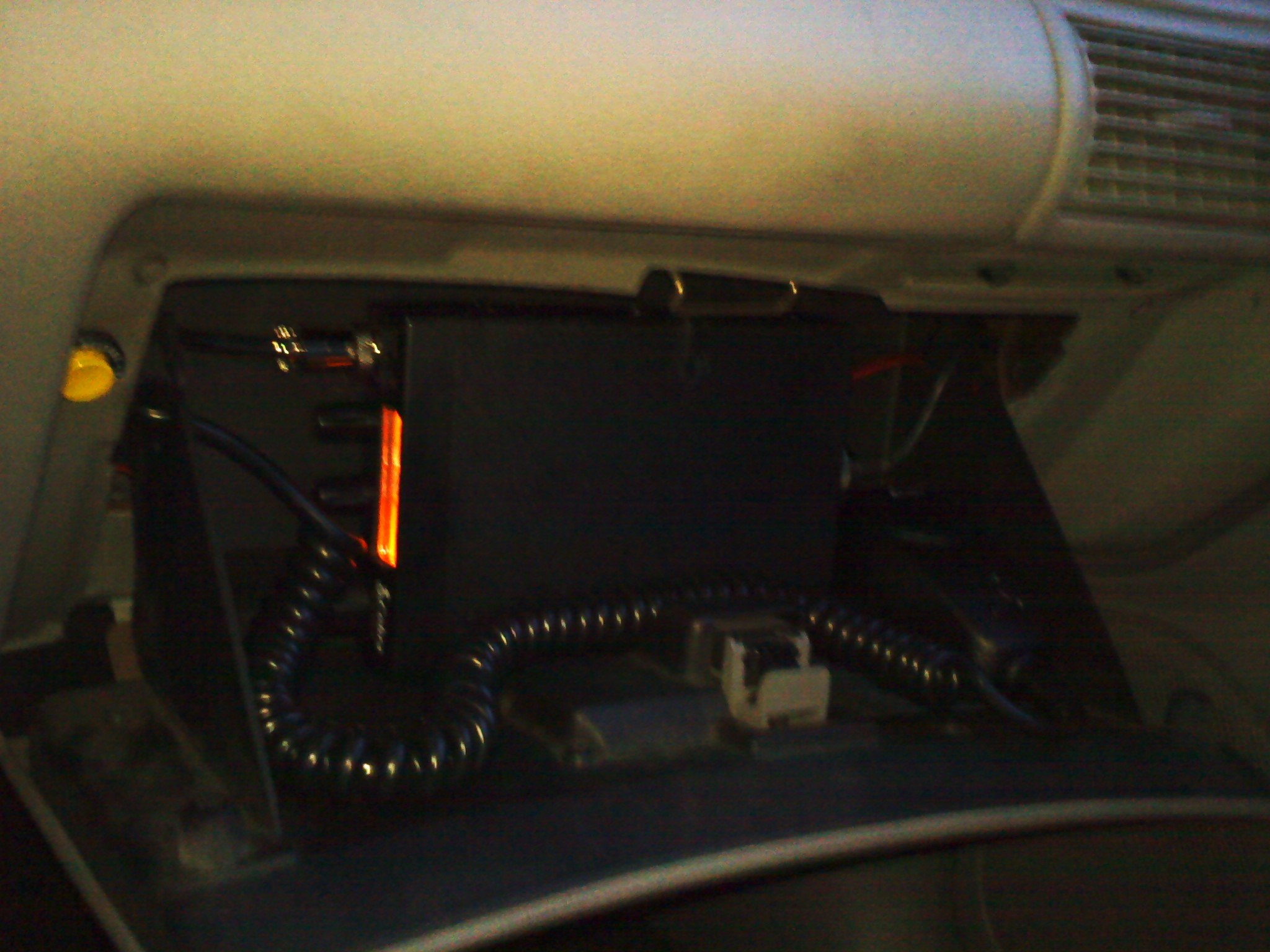 2000 Mustang Fuse Box Wiring Diagrams Library 1994 Kenworth T600 Layout Cb Radio Touble Ford Forum Passenger Side