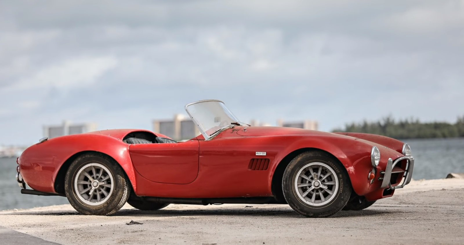 Watch: That Barn-Find Cobra Sold for $950,000