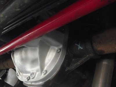 How difficult to change rear differential fluid?-diff-cover-8-copy.jpg