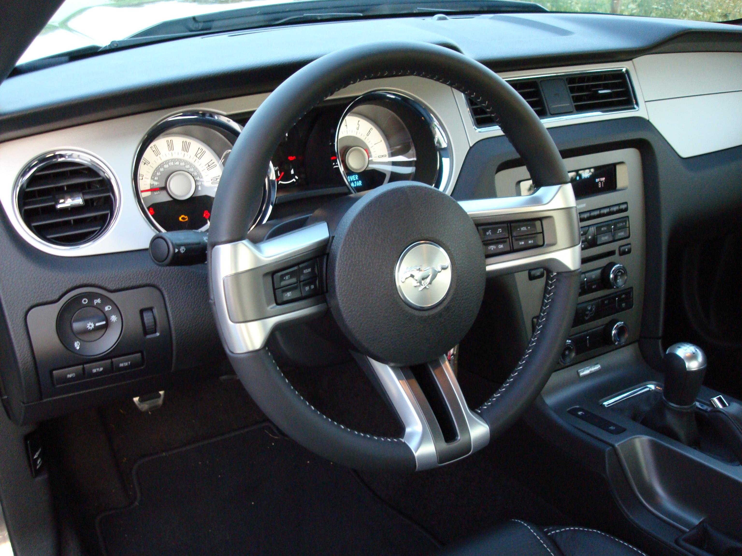 Dsg Mustang >> Post your 2011 Mustang interior pics here please... - Ford Mustang Forum