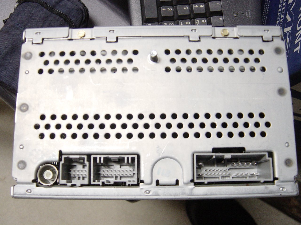 58342d1231242255 shaker 500 1000 stereo picture needed dsc02924 shaker 500 1000 stereo picture needed ford mustang forum 2007 ford mustang shaker 500 wiring diagram at suagrazia.org