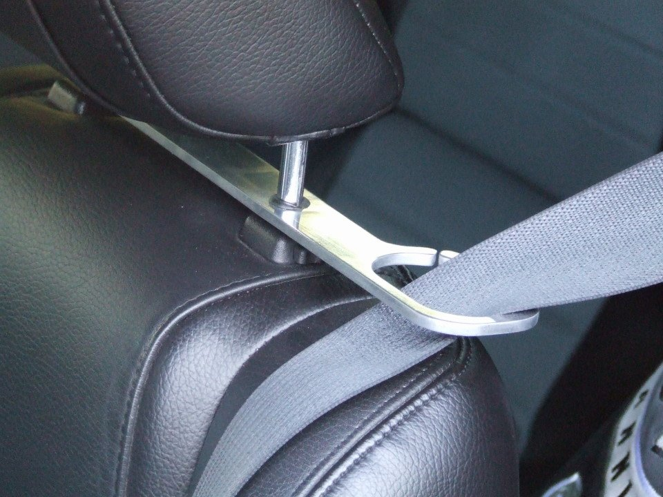 2008 Seat Belt Presenter Avail For 2005 2007 Ford