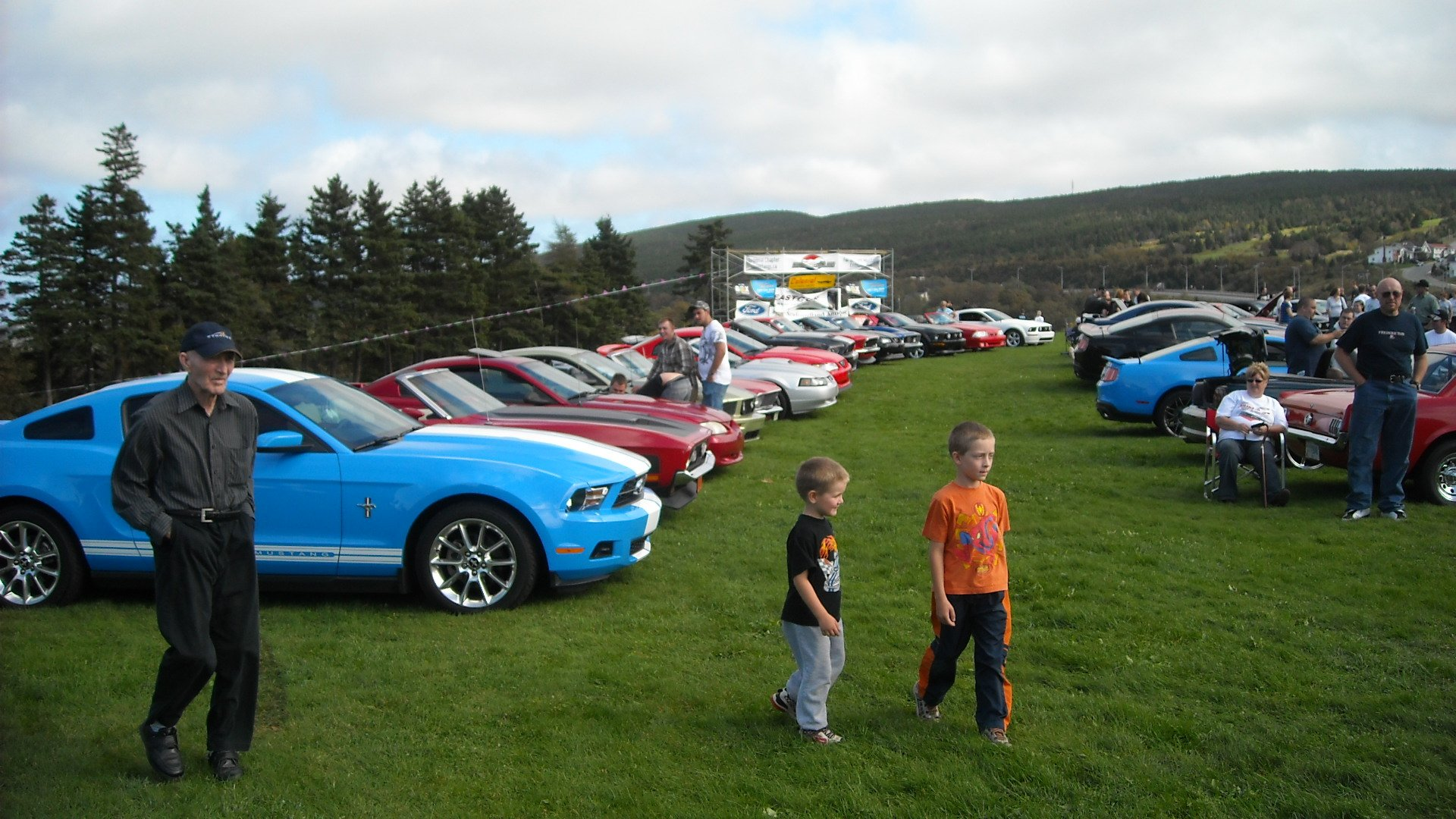 Mustangs in the Park: All Ford Mustangs Car Show in St. John's, Newfoundland-dscn0038.jpg