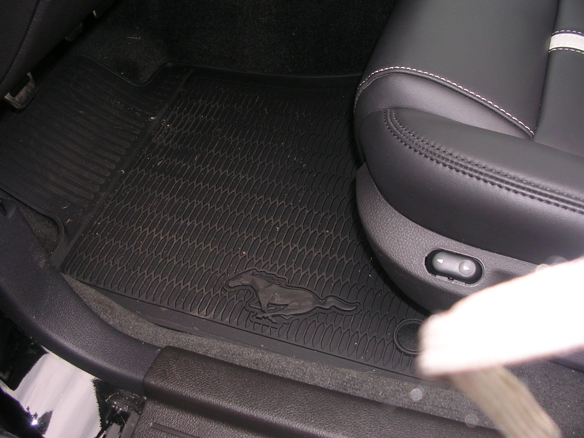 Rubber floor mats with mustang logo -  Click Image For Larger Version Name Dscn2979 Jpg Views 776 Size 640 6