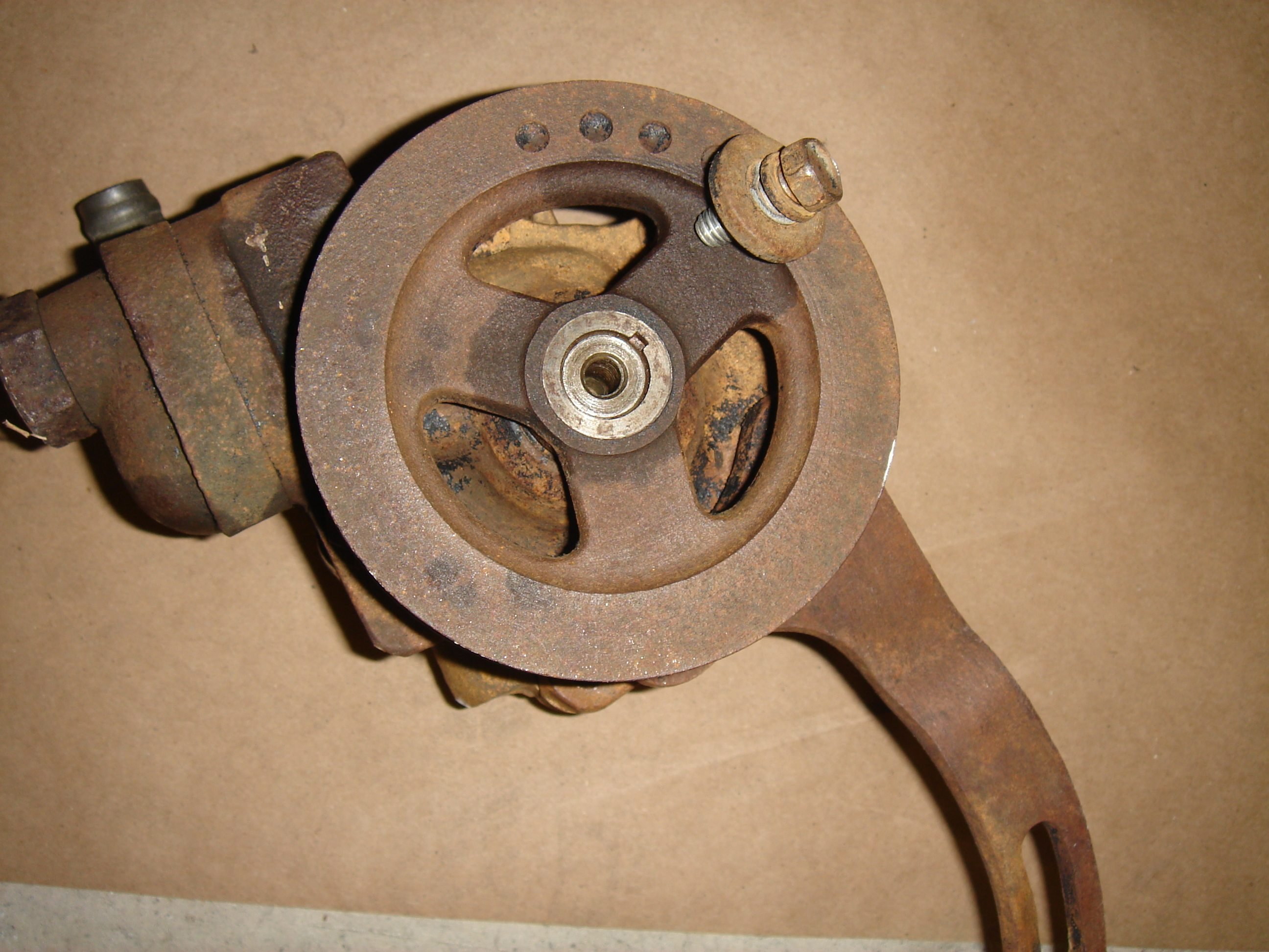 Bolt And Washer >> 1964 1/2 mustang generator pulley removal - Ford Mustang Forum