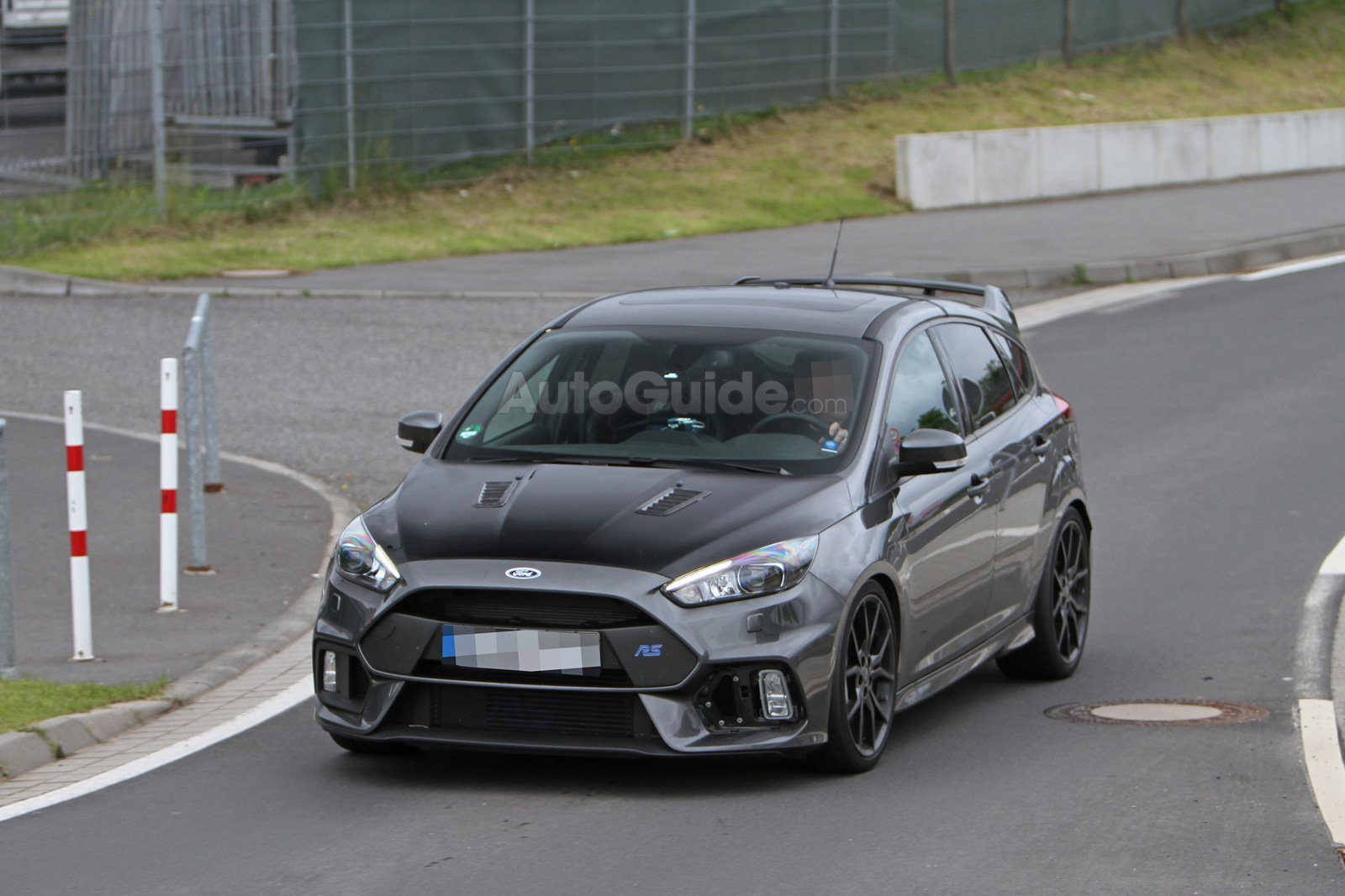 ford-focus-rs500-spy-photos-02