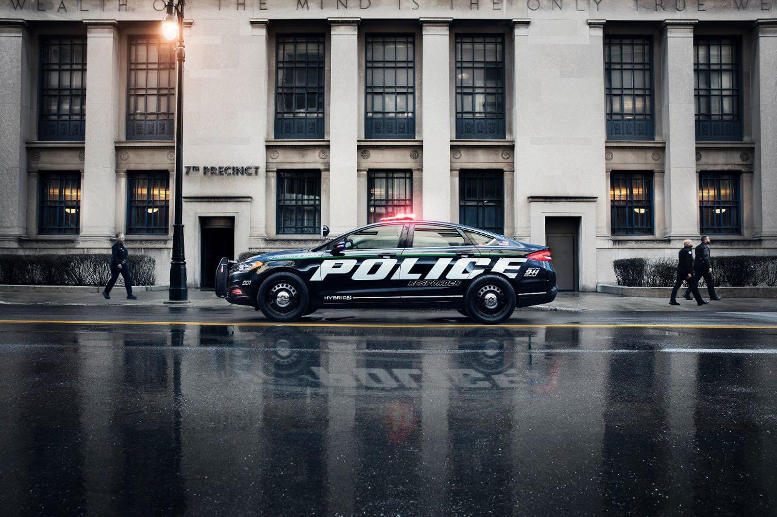 ford-fusion-police-interceptor-hybrid-02