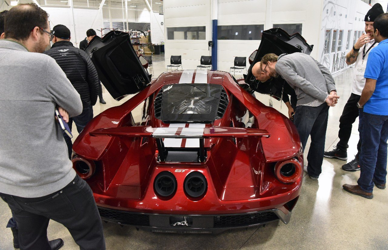 ford-gt-job-1_sv2_7070