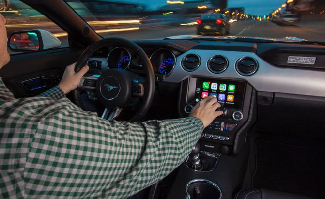 Apple CarPlay Will Now Support Apps Like Waze and Google Maps
