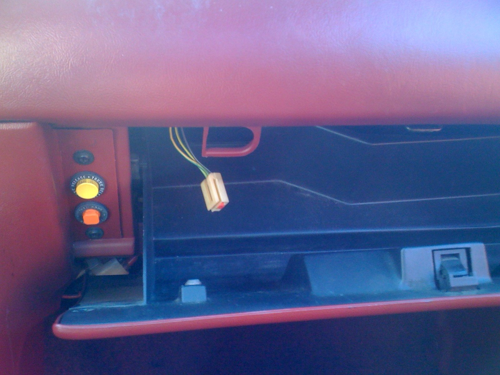 pic needed of 1989 mustang 2 3 fuse box ford mustang forum click image for larger version glovebox jpg views 1618 size 577 6