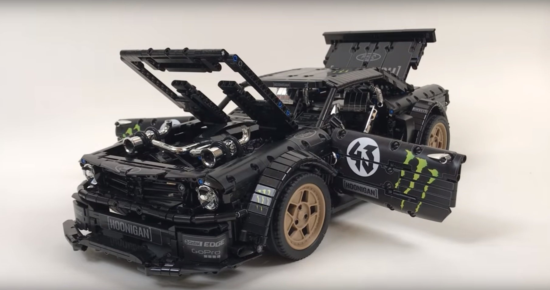 Fan Builds RC Hoonicorn out of Lego