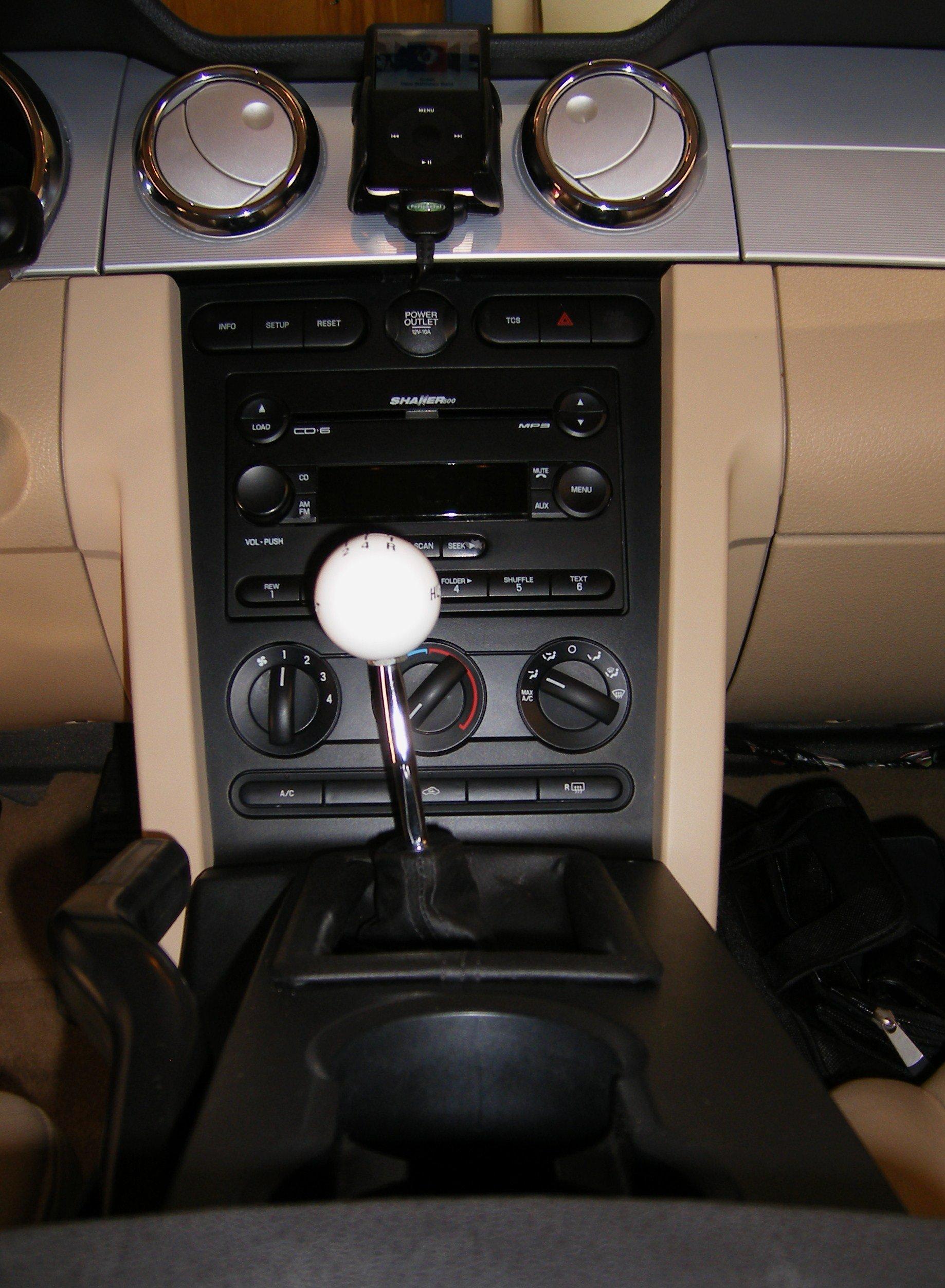 Stock Ipod Connector For 2006 Shaker 500 Hurst Shifter2 Jpg