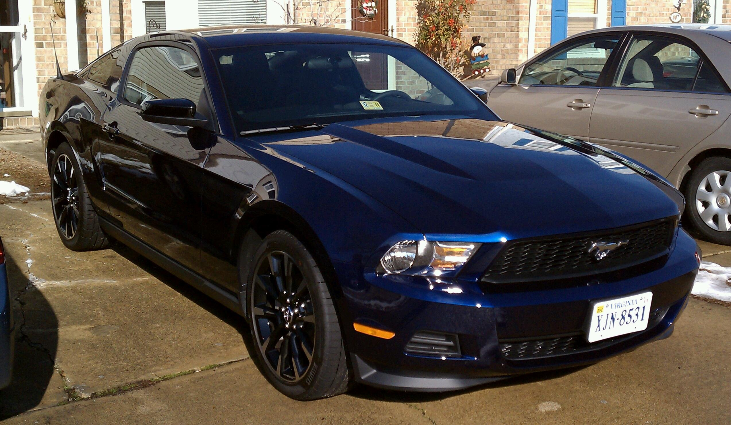 kona blue pony package or mca pics please ford mustang forum. Black Bedroom Furniture Sets. Home Design Ideas