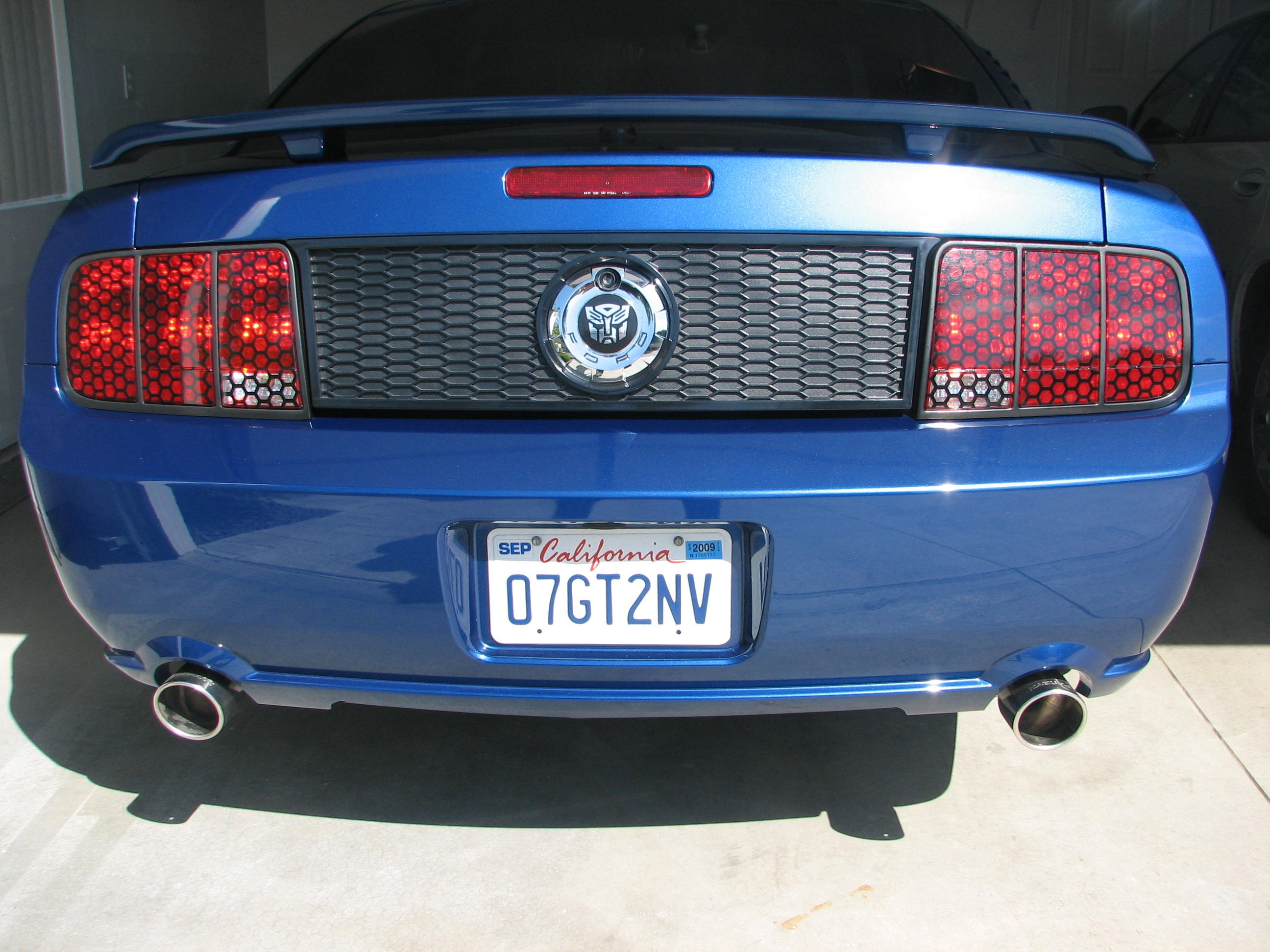 Magnetic blackout panel for 2005+ Mustang-img_0033.jpg