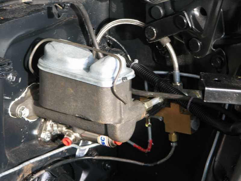 D Dual Bowl Master Cylinder Conversion Img on Dual Brake Master Cylinder