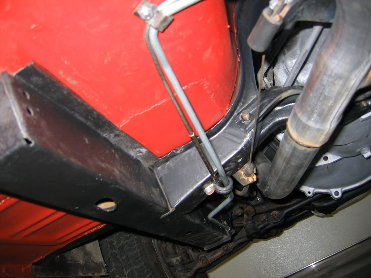 help , what is the best way to run my fuel line-img_0212.jpg