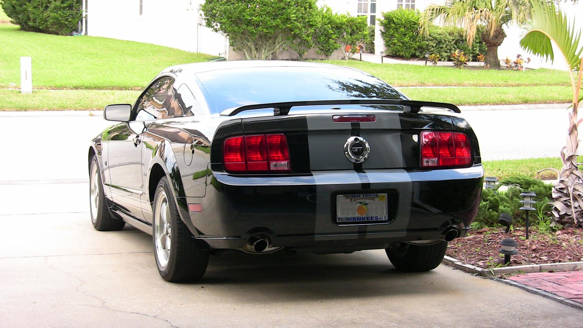 help with stripe color and size the mustang source