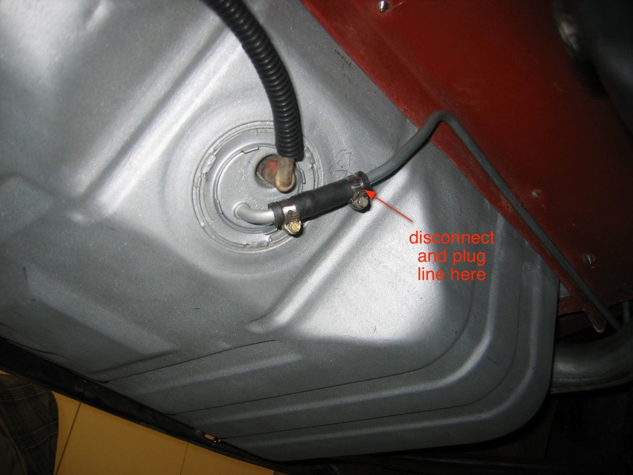help , what is the best way to run my fuel line-img_1386.jpg