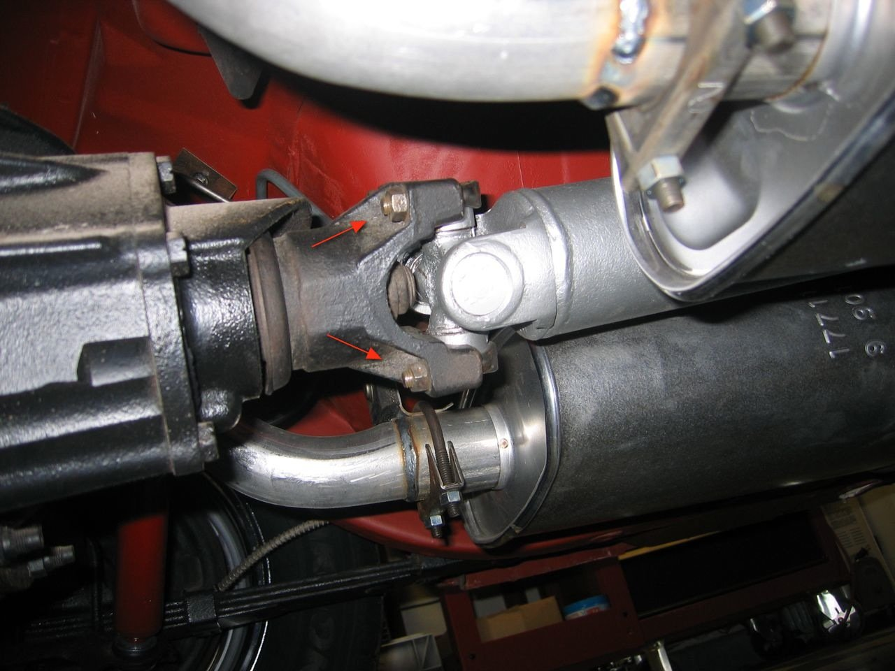 help , what is the best way to run my fuel line-img_1582.jpg