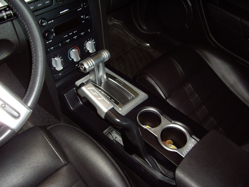 2010 ford mustang interior image
