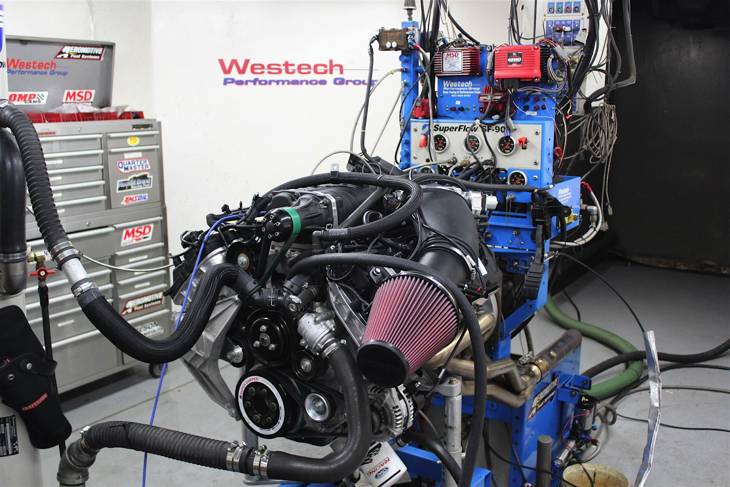 This Coyote Makes Almost 1000 HP With Stock Internals