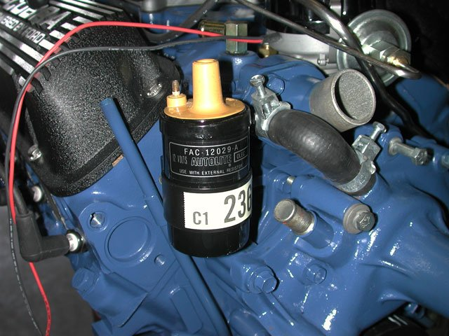 Original 260 Tri-Power-mump_0405_4_z-ford_small_block_engine_detailing-reproduction_yellow_top_coil.jpg