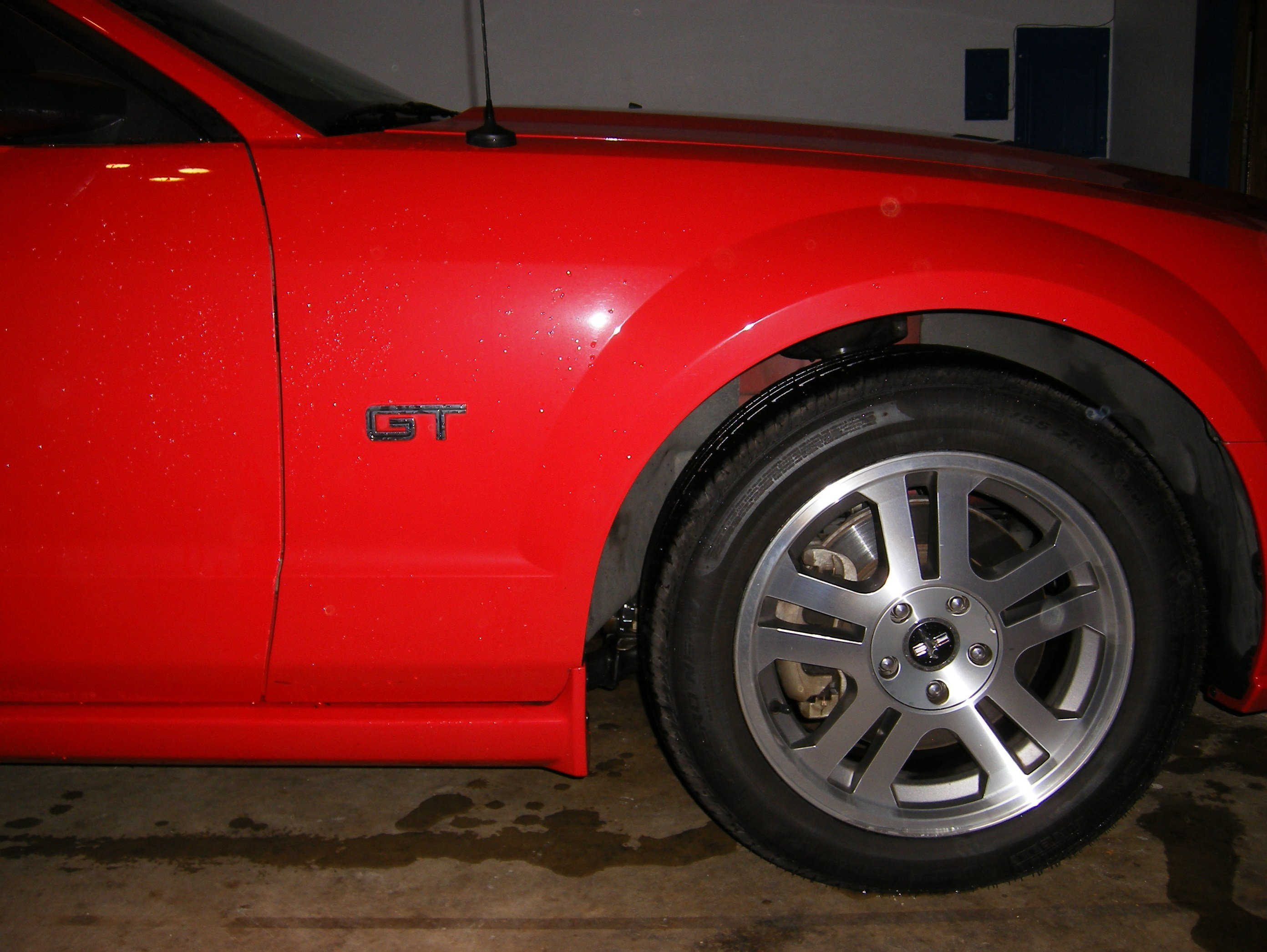 2006 mustang gt changing emblems want opinions mustang 001 jpg