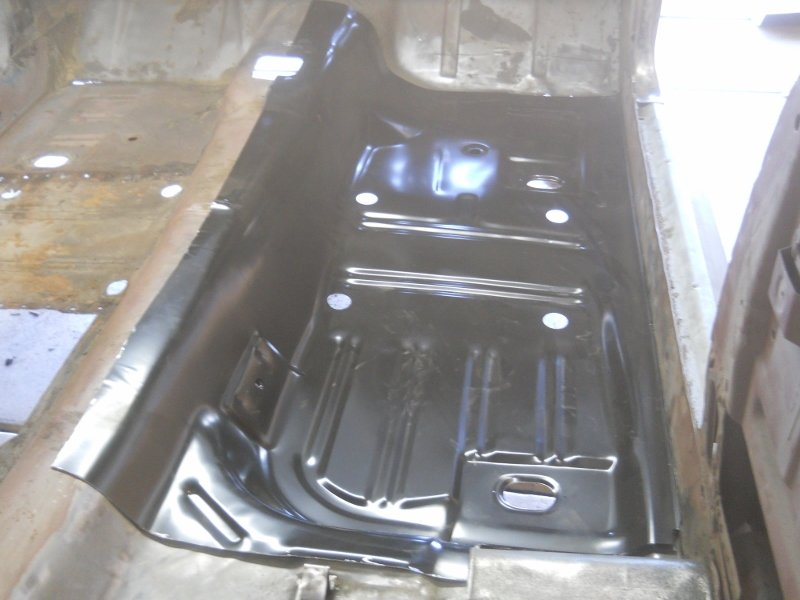 ... Click Image For Larger Version Name: Mustang Floor Pan 006  (800x600) ...