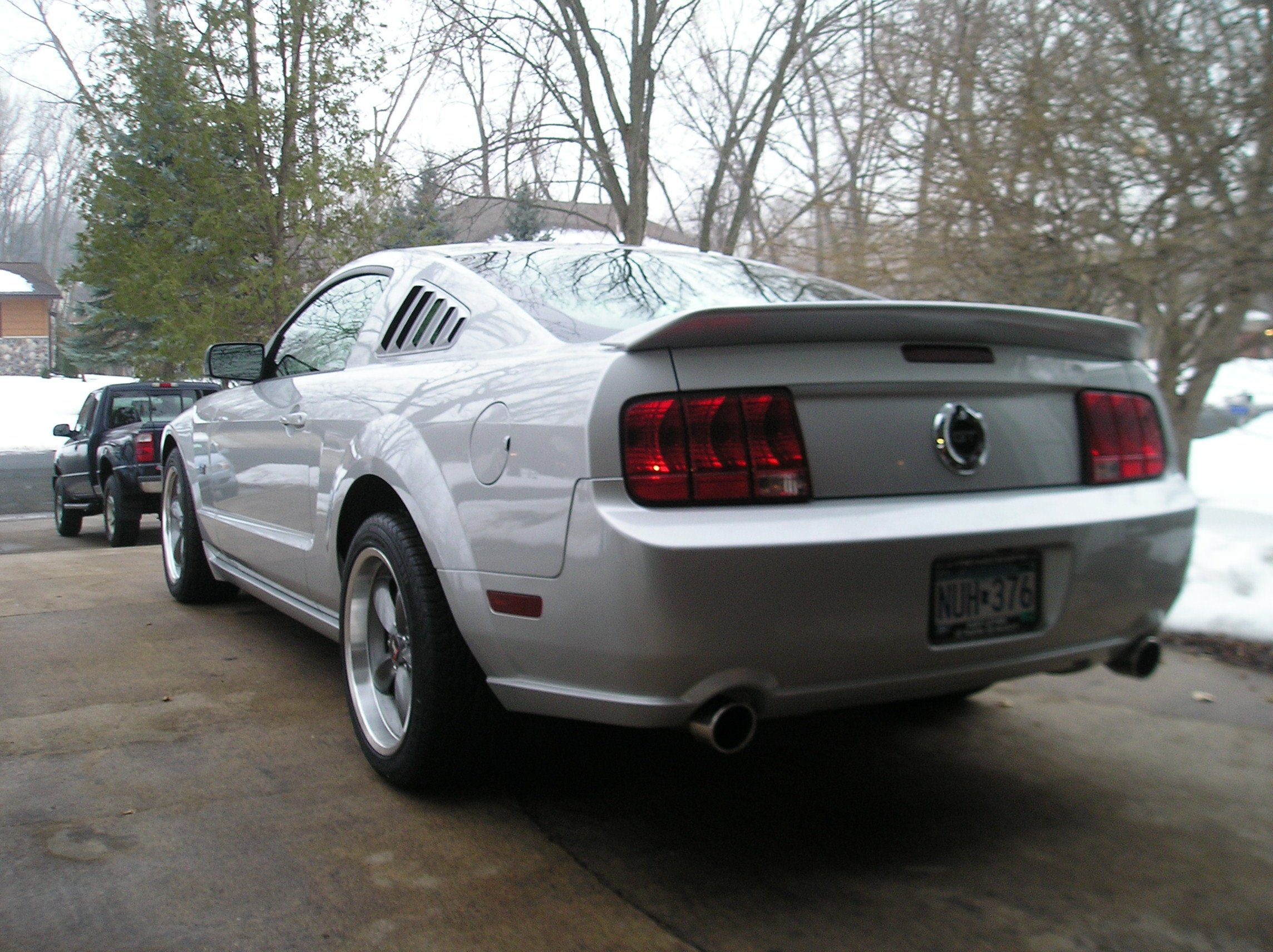 Ford Mustang Gt Deluxegt Premium Wcalifornia Package in addition Mustangdriverbottomcharcoal Steering together with D Deluxe Vs Premium Mustang additionally D Interior Mods Added Gt Dsc in addition Ford Mustang Gt Premium Coupe Angular Front. on 2005 ford mustang gt deluxe